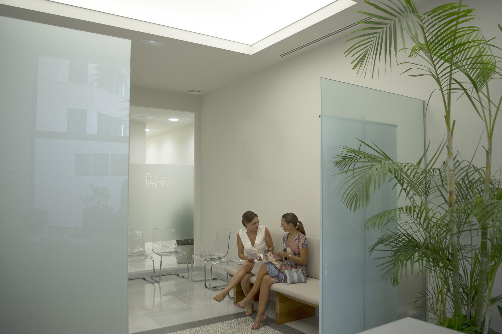 clínica dermal, instalación de sistema de conductos de khoinsa aire acondicionado